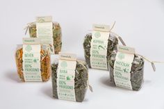 Unique Packaging Design, Green Life #Packaging #Design (http://www.pinterest.com/aldenchong/)