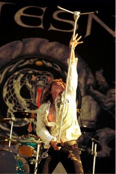 """WHITESNAKE TO RELEASE NEW DVD/LIVE CD PACKAGE: """"MADE IN JAPAN""""  DUE OUT APRIL 23RD"""