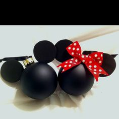 Made these ornaments for two little Mickey/Minnie fans after seeing the idea on this blog --> http://awdreyh.blogspot.com/2009/12/christmas-ornagment-projectdisney.html?m=1