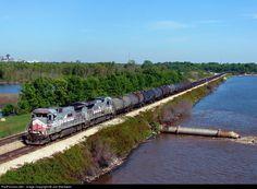 RailPictures.Net Photo: NREX 8520 National Railway Equipment (NREX) GE B39-8 (Dash 8-39B) at Shreveport, Louisiana by Joe Blackwell