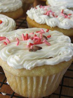 Made by Nicole: Cake #37 (Vegan) Basic Vanilla Cake