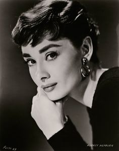 audrey hepburn es eterna en the national portrait gallery | look | i-D