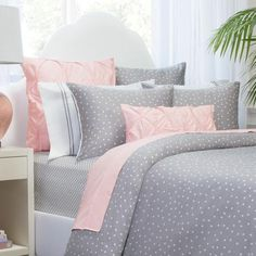 Shop light grey bedding from Crane & Canopy. Combining soft tones with modern textures, the Valencia Dove Grey Pintuck duvet is a light grey bedding set that looks voluminous and elegant. Pink And Grey Bedding, Grey Duvet, White Duvet, Lilac Bedding, Purple Duvet, Neutral Bedding, Striped Bedding, Green Bedding, Green Quilt