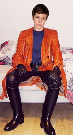 Mens Leather Pants, Tight Leather Pants, Leather Blazer, Young Boys Fashion, Sexy Asian Men, Young Cute Boys, Boys Underwear, Hommes Sexy, Super Skinny Jeans
