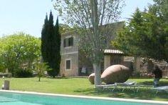 Finca Alegria • Ort: Puigpunyent, Mallorca Westen • Preis pro Nacht 108 bis 257 € • Personen: Max. 5 • Diese typisch mallorquinische Finca liegt unweit der Südwest-Küste der Insel etwas ausserhalb des Ortes Puigpunyent.