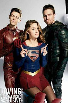 Grant Gustin (The Flash), Melissa Benoist (Supergirl), and Stephen Amell (Green Arrow) for EW. Supergirl Tv, Supergirl And Flash, Supergirl Drawing, Concessão Gustin, Series Dc, Flash Wallpaper, Superhero Shows, Melissa Marie Benoist, The Flash Grant Gustin