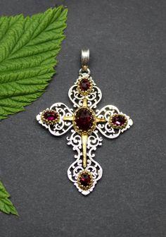 Trachtenschmuck Kreuz Anhänger Susi mit Edelstein Granat Belly Button Rings, Gold, Jewelry, Bees, Rhinestones, Crosses, Neck Chain, Clock, Silver
