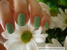Simple Dot Spring Nails