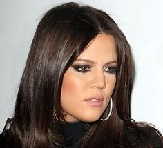 Khloe Kardashian Hair Color Formula: All over color: Equal parts and Mix with: 20 vol creme developer I WANT THIS.but have no idea what brand of color is being used for this formula :( Any stylist friends help? Brown Hair Color Shades, Hair Color Dark, Brown Hair Colors, Dark Hair, Hair Colours, Deep Burgundy Hair, Burgundy Highlights, Khloe Kardashian Hair, Khloe Hair