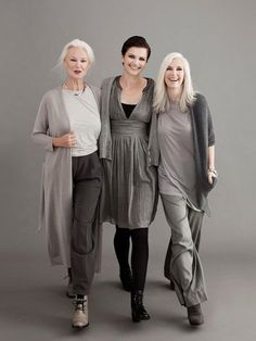 Love the mature women looking hot in these wonderful outfits