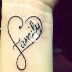 Heart Tattoo Ideas: 40 plantillas para mujeres y hombres Modern Tattoo Designs, Latest Tattoo Design, Heart Tattoo Designs, Tattoo Designs For Girls, Tattoo Designs And Meanings, Wörter Tattoos, Neue Tattoos, Word Tattoos, Sleeve Tattoos