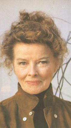 Katharine Hepburn: A True Genius In All Ways — Katharine Hepburn, 1973 Katharine Hepburn, Hollywood Glamour, Classic Hollywood, Old Hollywood Stars, Classic Actresses, Actors & Actresses, Sophia Loren, Michelle Pfeiffer, Julia Roberts