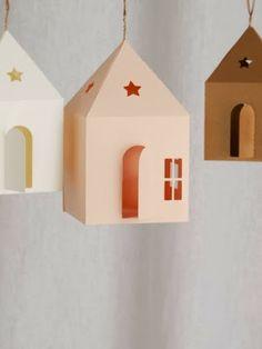 Guirnaldas y casitas de papel