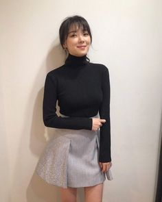 Ulzzang Korean Girl, Korean Actresses, Pose Reference, Beautiful Actresses, Korean Fashion, Turtle Neck, Glamour, Womens Fashion, Casual