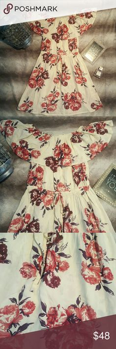 💋 3 LEFT 💋🌷🌹Floral shoulder dress.🌹🌷 HIGH QUALITY! Off the shoulder floral sundress. I fell in love so much that I had to get one for myself. Super adorable evening dress / date night.  100% Viscose Dresses Midi