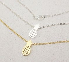2017 New Arrival Gold and Silver Dainty Pineapple Pendant Necklace for Women Party Gift Cute Fruit  Necklace N183