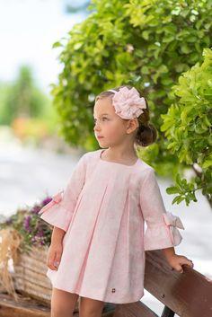 1 million+ Stunning Free Images to Use Anywhere African Dresses For Kids, Little Girl Dresses, Girls Dresses, Flower Girl Dresses, Little Girl Fashion, Kids Fashion, Baby Dress Patterns, Lovely Dresses, Toddler Girl