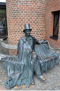Hans Christian Andersen was born in Odense, Denmark. Odense Denmark, Copenhagen Denmark, Little Mermaid Statue, Street Art, Visit Denmark, Danish Christmas, Scandinavian Countries, Voyage Europe, Sculpture Art