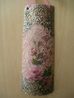 Idee Decoupage, Diy And Crafts, Arts And Crafts, Candle Art, Vase Crafts, Coffee Crafts, Clay Tiles, Altered Bottles, Clay Flowers