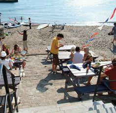 Sam's @ The Beach, Polkerris, nr Fowey, Cornwall - this place is dabomb http://www.samsfowey.co.uk/index.php?option=com_jumi=5=124
