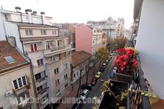 Krovovi gornjeg Dorćola. Neujednačeni i beogradski.  #Apartmani #Beograd #Pogled