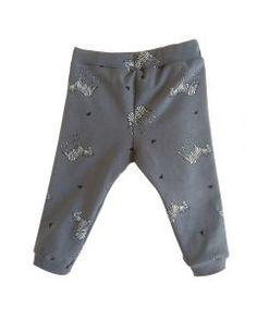 Broekje Zebra - grijs #babybroekjes #baby #kids #handmade #design #kidsclothes #kinderkleren #newborn #DIY #babyboy #babygirl