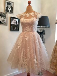 Musterkollektion PowderRoom's Vintage Wedding Vintage Makeup, Vintage Stil, Ball Gowns, Formal Dresses, Wedding, Style, Fashion, Ball Gown, Marriage Dress