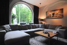 https://i.pinimg.com/236x/a6/e4/73/a6e473c4a9e4c1768cbeced62019479f--luxe-villa-villas.jpg