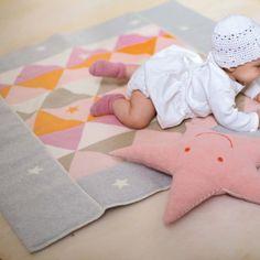 David Fussenegger Juwel Baby Krabbeldecke gefüttert Dreiecke rosa - Bonuspunkte sammeln, auf Rechnung bestellen, DHL Blitzlieferung!