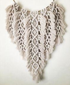 Wild Salt Spirit: It's all in the details ⭐️ Macrame Owl, Macrame Knots, Macrame Jewelry, Macrame Necklace, Macrame Wall Hanging Patterns, Macrame Patterns, Sculpture Textile, Macrame Curtain, Deco Boheme