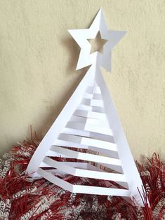 Étape 5 Christmas Crafts, Christmas Ornaments, Paper Flowers, Diy And Crafts, Candles, Seasons, Holiday Decor, Building, Deco Table