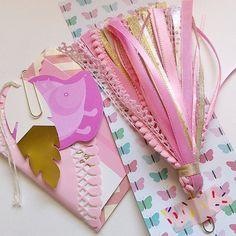 Outgoing order for a custom pink and gold paperclip pagemarker #plannerlove #plannergoodies #eclp #katespade #filofax #erincondrenlifeplanner #kikkik #pagemarker #paperclip #ribbon#pinkandgold #etsy #asprinkleoflovely #outgoing