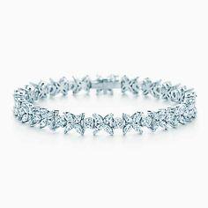 Victoria alternierendes Platinarmband mit Diamanten.