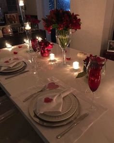 Romantic Dinner Tables, Romantic Dinner Setting, Romantic Night, Romantic Things, Romantic Dinners, Romantic Weddings, Birthday Room Decorations, Valentine Decorations, Table Decorations