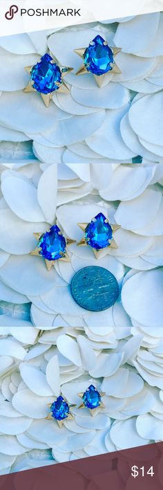 Blue Topaz 18k Gold Spike Dainty Stud Earrings New study earrings - bright blue topaz stones with 18k gold filled spikes - smaller than the size of a dime size of a dime - 😍😍so in love with these unique and girly studs 😍😍 jewelry gift box included with purchase Boutique Jewelry Earrings