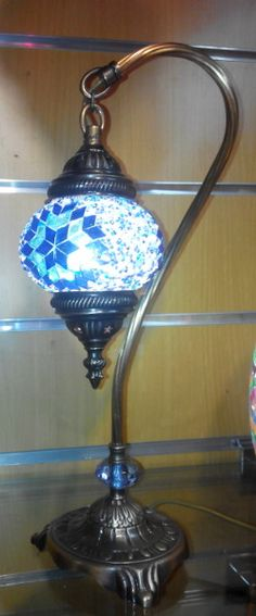 -   Lámpara de mesa turca de cristal de murano, con arco