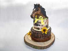 Cake with horses head