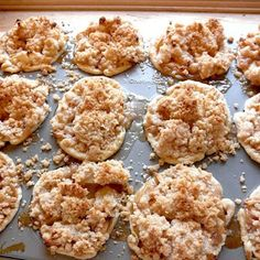 ...and mini dutch apple pies baked in a muffin tin. I want to try with cherry too. Thanks for the ideas Food Pusher!