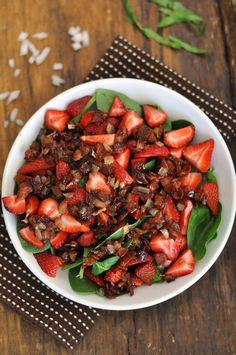 Strawberry Spinach Salad with Warm Bacon Dressing -- yummy yum yum