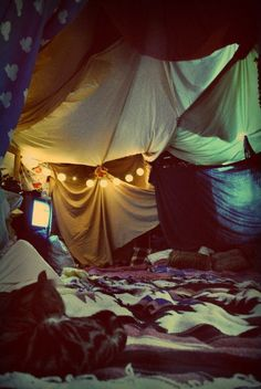 Cabane, little house, Tv, cosy