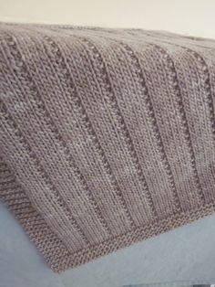 Newborn Baby Blanket By Altadena Green - Free Knitted Pattern - (ravelry)