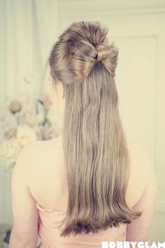LOVING this half-up half-down hair bow as a prom hairstyle :) ♥♥