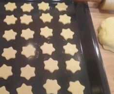 Eierlikör-Sterne, Plätzchen Eggnog stars, cookies from biscuit fan on www.de, the Thermomix ® community Christmas Party Food, Christmas Desserts, Christmas Cookies, Pizza Recipes, Cooking Recipes, Pizza You, Pizza Casserole, Star Cookies, Veggie Tray