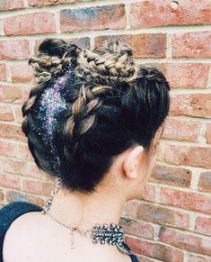 FESTIVAL HAIR & GLITTER SPACE BUNS   @thegypsyshrine glitttter & upside down braid space buns. Super duper cute for summer. For festival makeup/hair shoot me a message yall. #festival #hair #spacebun #glitter #braid #braidstyles #style #fashion #festivalmakeup #festivalseason #summer #trend #fashionblogger #fashionistas #instagood #gorgeous #haircolour #stylist #mua #makeupartist #products #glittering #plaits trend trendy top fashion design beauty