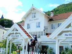 Norway: Then and Now. A look back thru 100 years and more! @visitnorwayusa @Fjord Norway #VisitNorwayUSA. Welcome to the Utne Hotel.