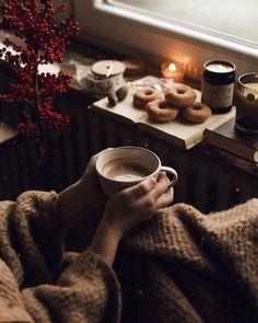 Autumn Aesthetic Tumblr, Cozy Aesthetic, Autumn Coffee, Autumn Cozy, Cozy Winter, Autumn Photography, Food Photography, Momento Cafe, I Love Winter