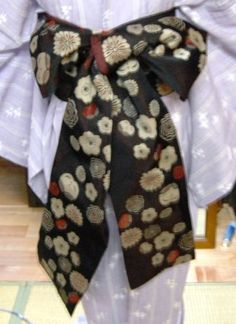 ~ Floral Tie, Alexander Mcqueen Scarf, Kimono, Dinner Recipes, Easy, Fashion, Moda, Fashion Styles, Kimonos