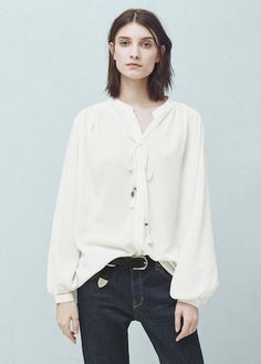 Spring-Summer romantic blouses to wear with your high-waist jeans (The Blonde Salad) Mango Outlet, The Blonde Salad, Formal Looks, High Waist Jeans, Spring Outfits, Spring Clothes, Beautiful Outfits, Beautiful Clothes, Long Sleeve Tops