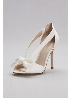 Complete your bridal look with the perfect wedding shoes at David's Bridal. Our bridal shoes include wedding & bridesmaid shoes in various styles & colors. Boho Wedding Shoes, Wedding Shoes Heels, Blue Wedding, Wedding Dresses, Davids Bridal, Bridesmaids Heels, Bridal Heels, Bridal Shoe, Ankle Strap Wedges