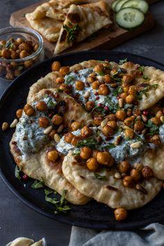 Naan Recipe, Vegan Vegetarian, Vegan Food, Vegan Recipes, Vegan Ideas, Savoury Recipes, Vegan Dishes, Food Inspiration, Clean Eating